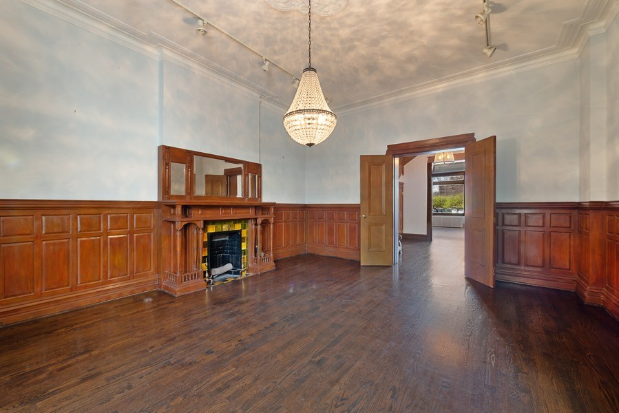 Real Estate Photography - 915 N LaSalle, Chicago, IL, 60610 - Dining Room
