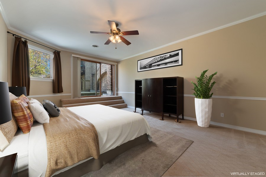 Real Estate Photography - 915 N LaSalle, Chicago, IL, 60610 - Master Bedroom