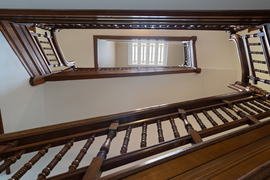Real Estate Photography - 915 N LaSalle, Chicago, IL, 60610 - Staircase