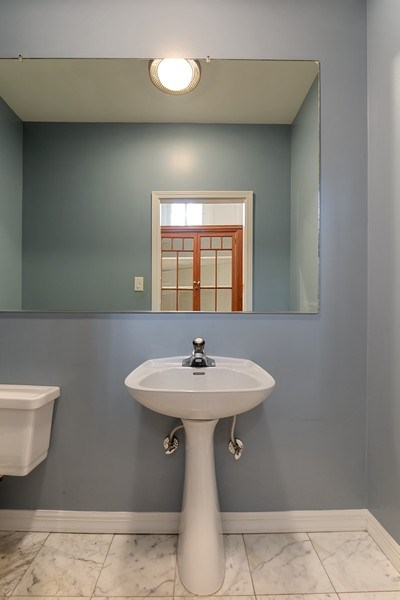 Real Estate Photography - 915 N LaSalle, Chicago, IL, 60610 - Half Bath