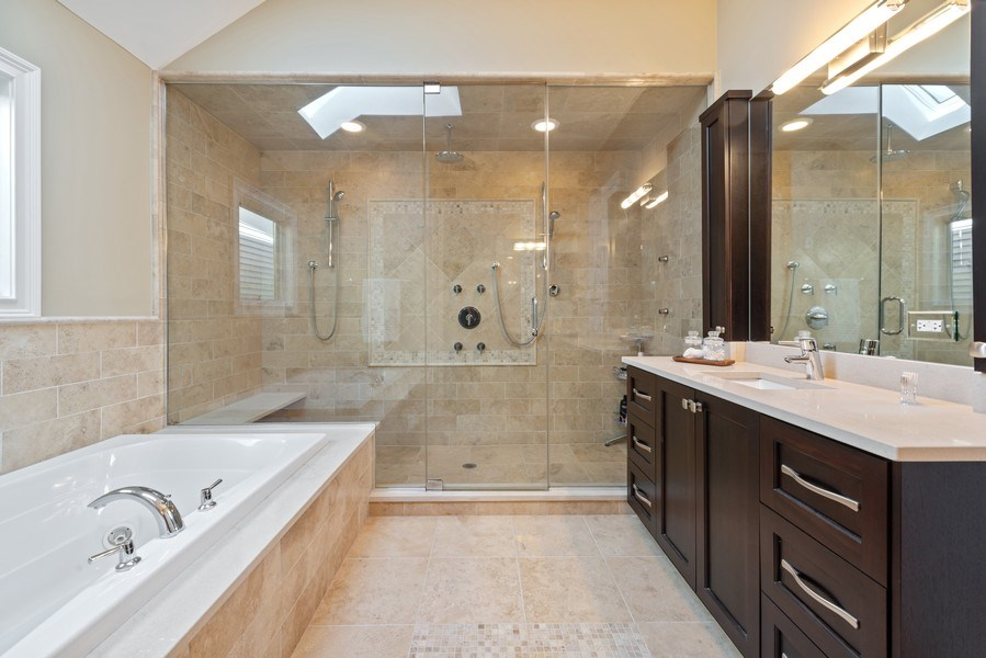 Real Estate Photography - 1312 W Barry, Chicago, IL, 60657 - Master Bathroom