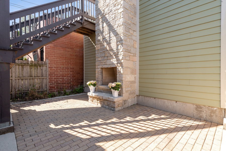 Real Estate Photography - 1312 W Barry, Chicago, IL, 60657 - Patio