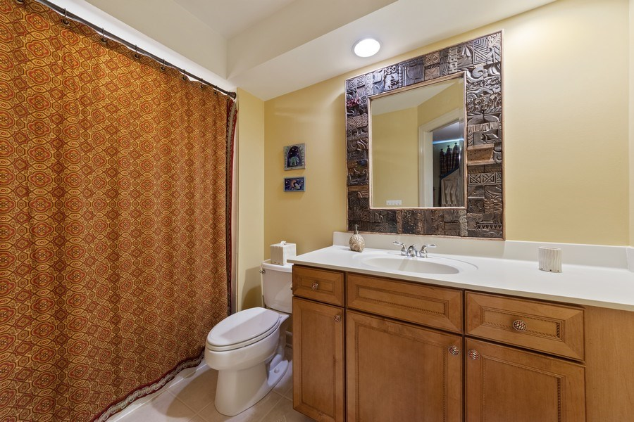 Real Estate Photography - 22393 North Prairie Lane, Kildeer, IL, 60047 - 4th Bathroom