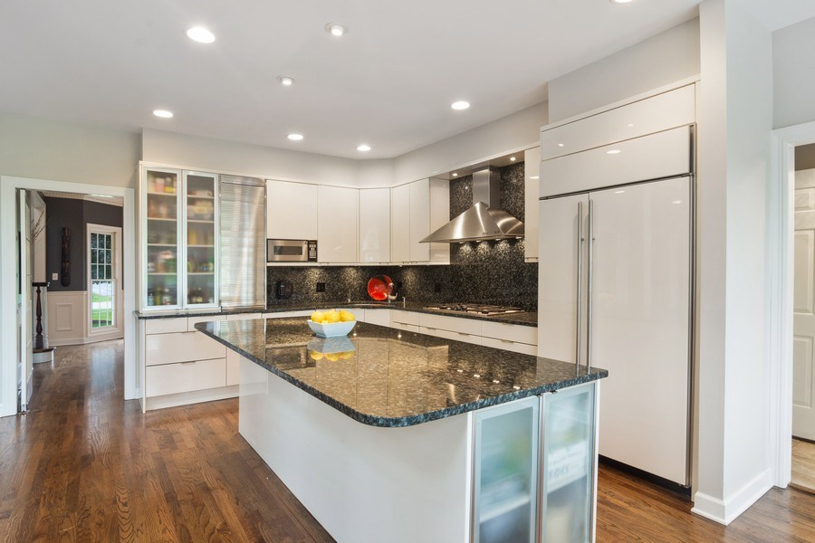 Real Estate Photography - 20823 North Meadow Court, Deer Park, IL, 60010 - Kitchen