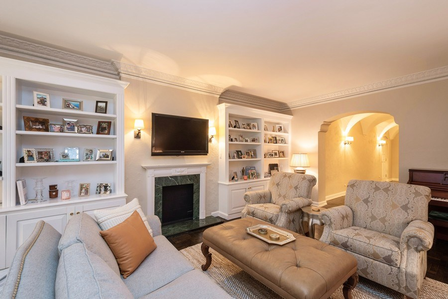 Real Estate Photography - 222 E Chestnut Street, #6B, Chicago, IL, 60611 - Living Room