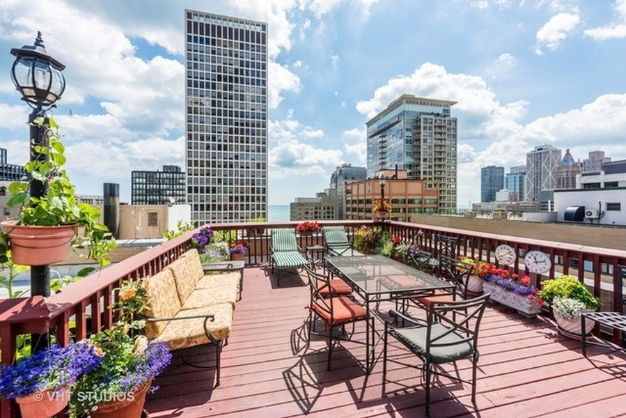 Real Estate Photography - 222 E Chestnut Street, #6B, Chicago, IL, 60611 - Roof