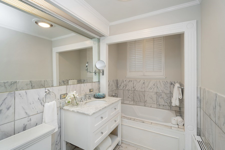 Real Estate Photography - 222 E Chestnut Street, #6B, Chicago, IL, 60611 -