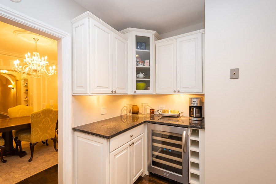 Real Estate Photography - 222 E Chestnut Street, #6B, Chicago, IL, 60611 - Bar