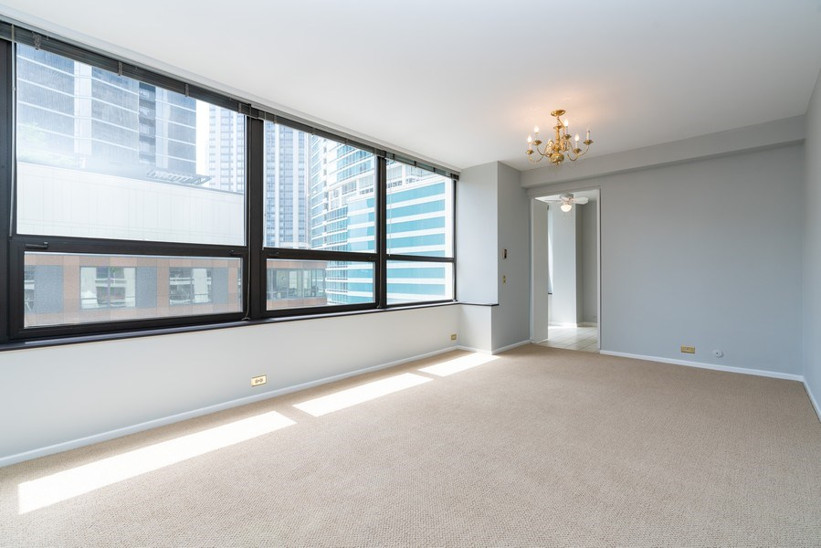 Real Estate Photography - 400 E Ohio St, Unit 604, Chicago, IL, 60611 - Dining Room