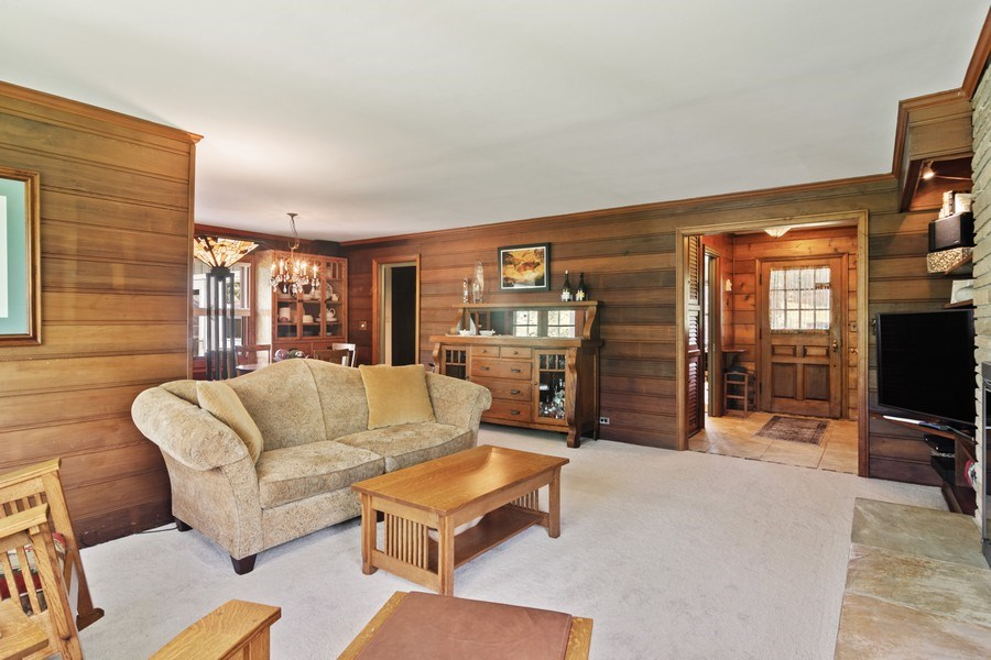 Real Estate Photography - 102 Mohawk Drive, North Barrington, IL, 60010 - Living Room
