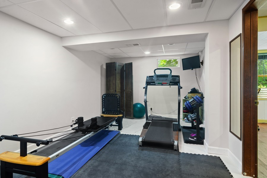 Real Estate Photography - 102 Mohawk Drive, North Barrington, IL, 60010 - Exercise Room