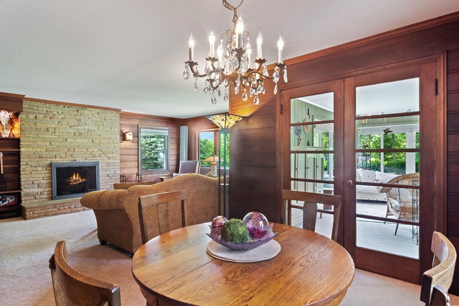 Real Estate Photography - 102 Mohawk Drive, North Barrington, IL, 60010 - Dining Area