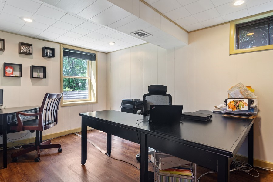Real Estate Photography - 102 Mohawk Drive, North Barrington, IL, 60010 - Office