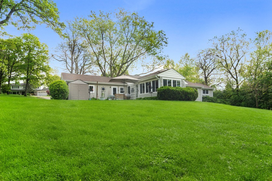 Real Estate Photography - 102 Mohawk Drive, North Barrington, IL, 60010 - Side View