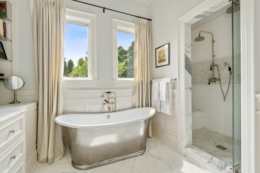 Real Estate Photography - 1239 W. Altgeld, Chicago, IL, 60614 - Master Bathroom