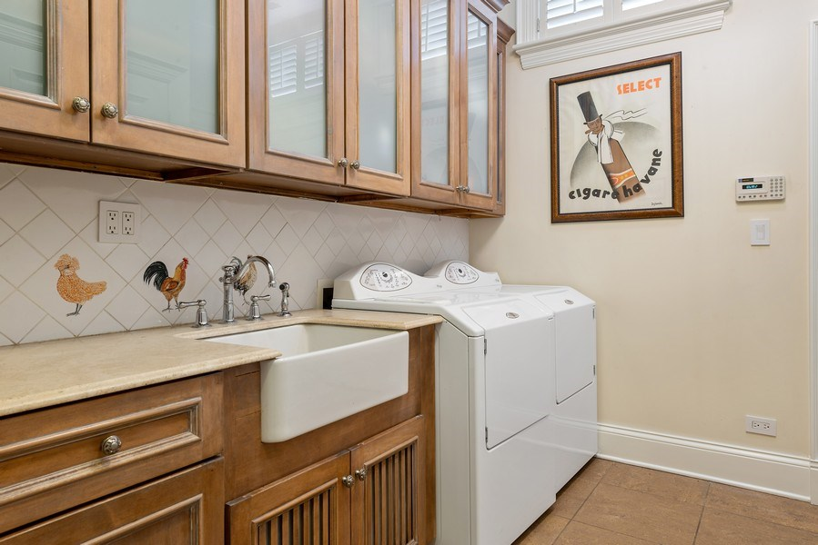 Real Estate Photography - 1239 W. Altgeld, Chicago, IL, 60614 - Laundry Room