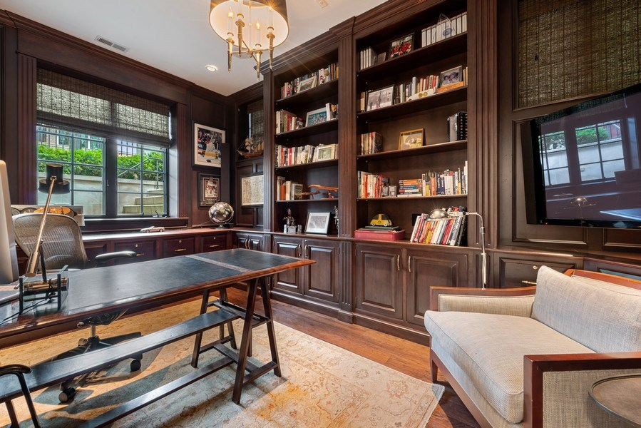 Real Estate Photography - 1239 W. Altgeld, Chicago, IL, 60614 - Library