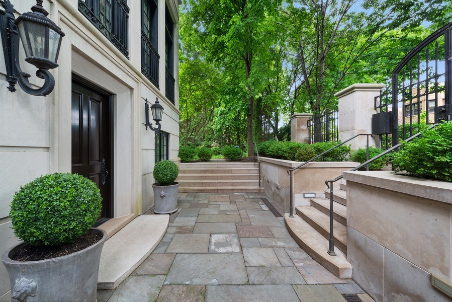 Real Estate Photography - 1239 W. Altgeld, Chicago, IL, 60614 - Front View