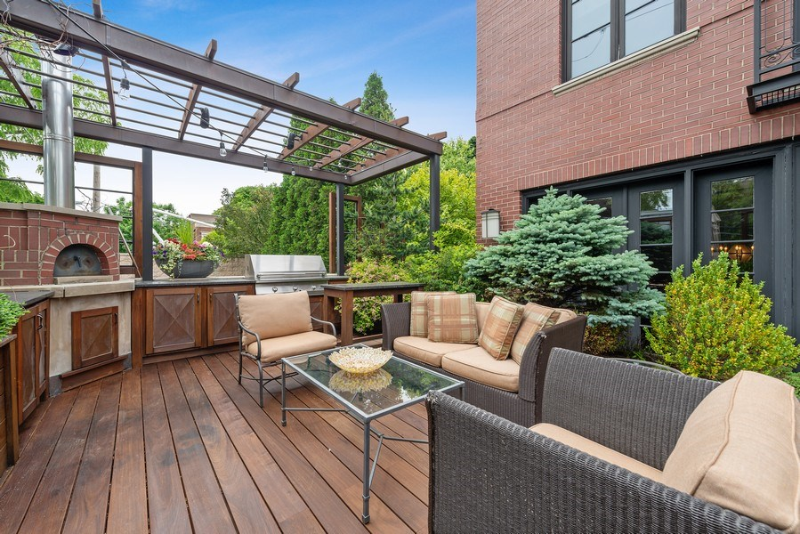Real Estate Photography - 1239 W. Altgeld, Chicago, IL, 60614 - Deck