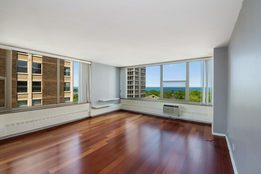 Real Estate Photography - 360 W Wellington, 10E, Chicago, IL, 60657 - Living Room