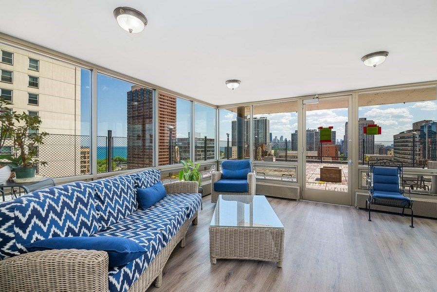 Real Estate Photography - 360 W Wellington, 10E, Chicago, IL, 60657 - Roof Deck