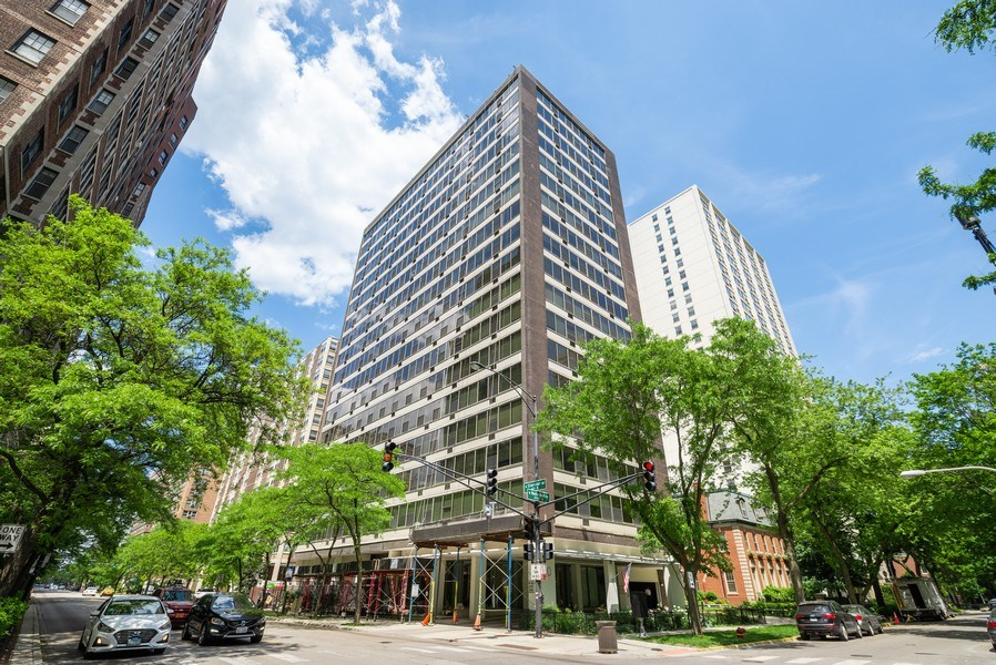 Real Estate Photography - 360 W Wellington, 10E, Chicago, IL, 60657 - Front View