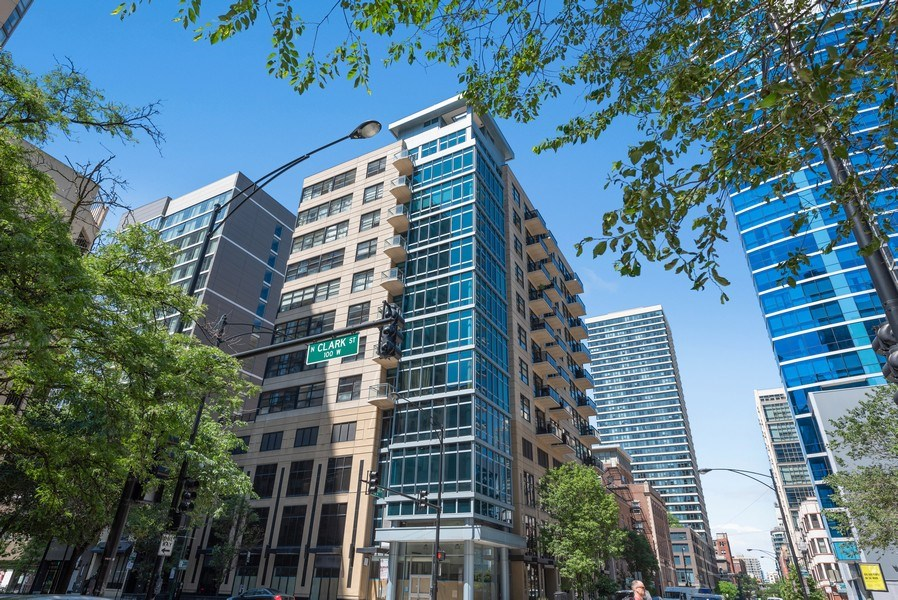 Real Estate Photography - 101 W Superior, Unit 502, Chicago, IL, 60610 - Front View