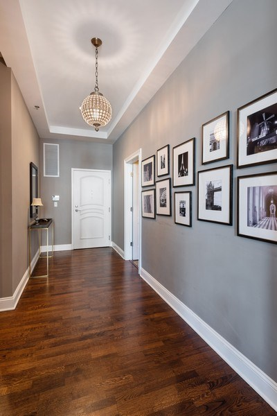 Real Estate Photography - 101 W Superior, Unit 502, Chicago, IL, 60610 - Foyer