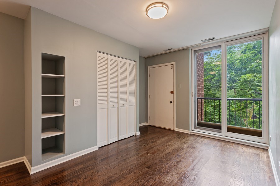 Real Estate Photography - 1306 N Sutton Pl, Chicago, IL, 60610 - Bedroom