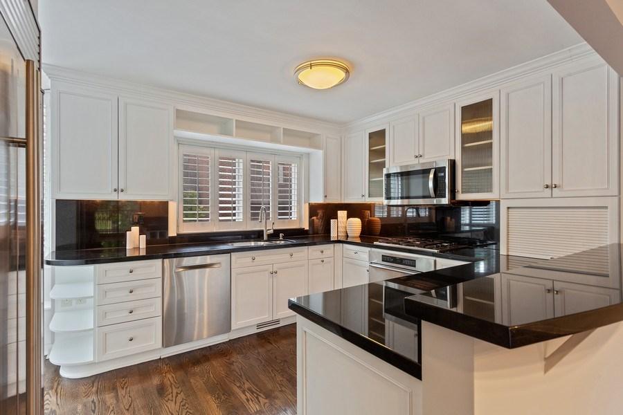Real Estate Photography - 1306 N Sutton Pl, Chicago, IL, 60610 - Kitchen