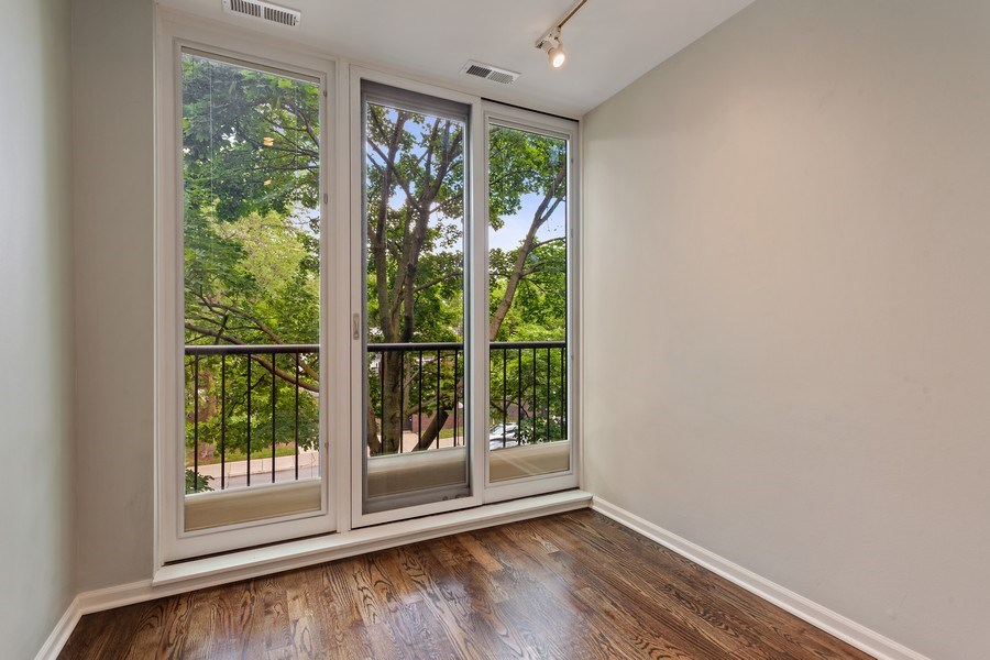 Real Estate Photography - 1306 N Sutton Pl, Chicago, IL, 60610 - Office