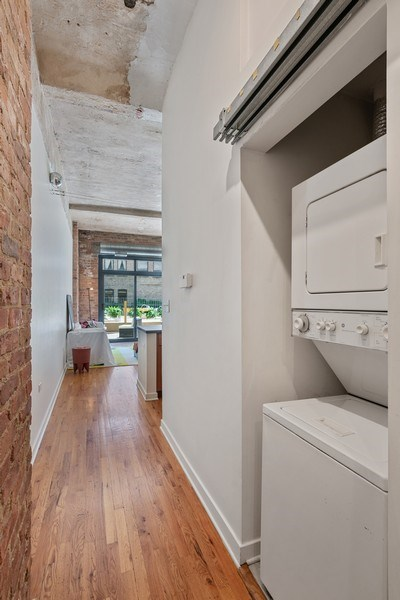Real Estate Photography - 1910 S Indiana Ave, Unit 119, Chicago, IL, 60616 - Laundry Room