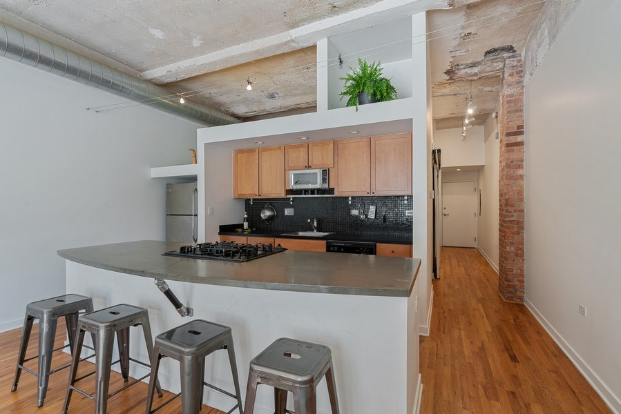 Real Estate Photography - 1910 S Indiana Ave, Unit 119, Chicago, IL, 60616 - Kitchen
