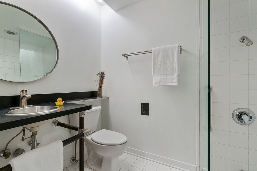 Real Estate Photography - 1910 S Indiana Ave, Unit 119, Chicago, IL, 60616 - Bathroom
