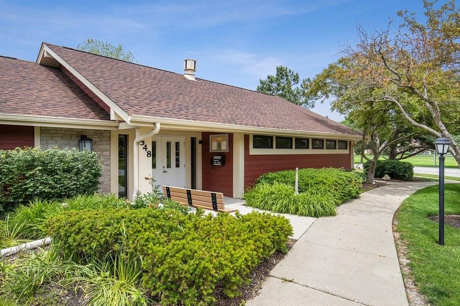 Real Estate Photography - 1180 Northbury Lane #B1, Wheeling, IL, 60090 - Clubhouse