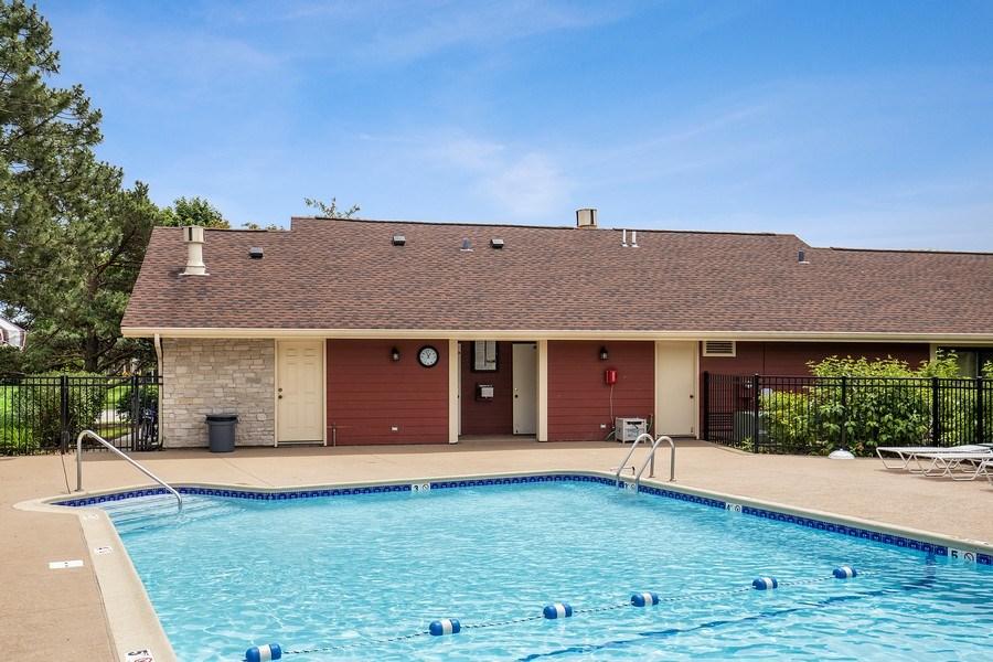 Real Estate Photography - 1180 Northbury Lane #B1, Wheeling, IL, 60090 - Pool