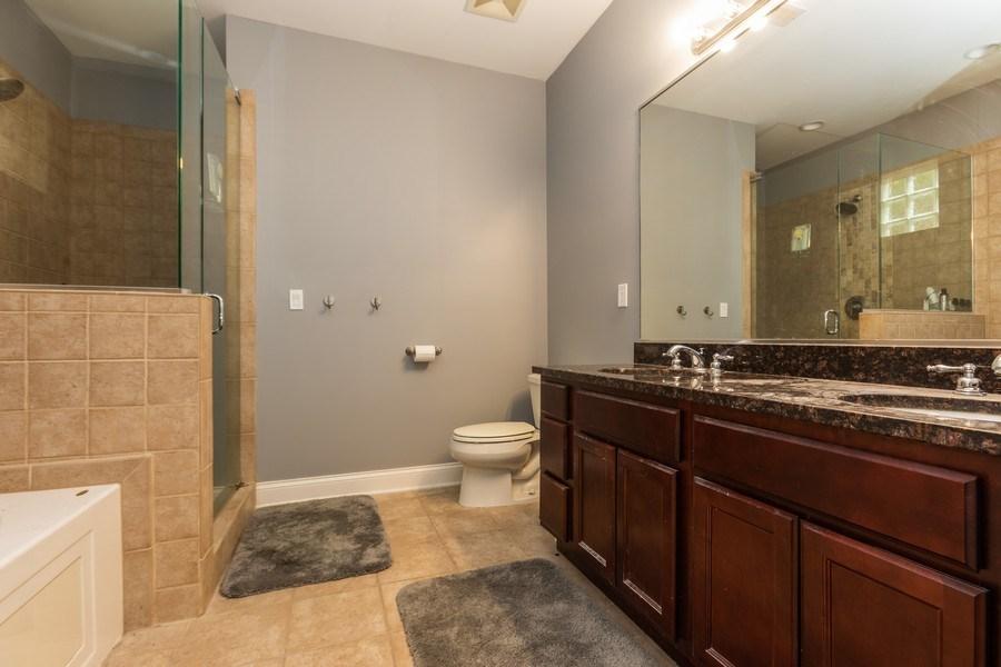 Real Estate Photography - 1704 S. Carpenter, 1B, Chicago, IL, 60608 - Master Bathroom