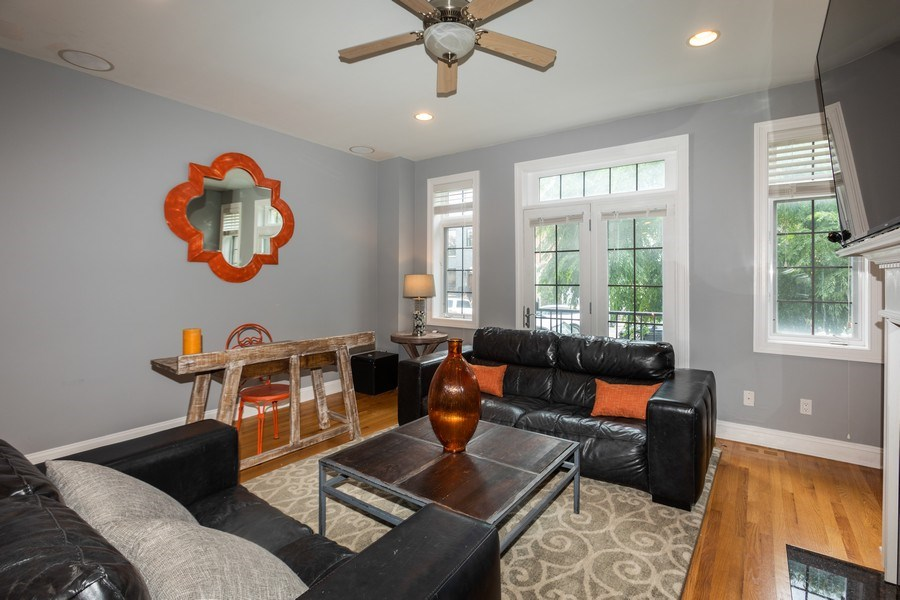 Real Estate Photography - 1704 S. Carpenter, 1B, Chicago, IL, 60608 - Living Room
