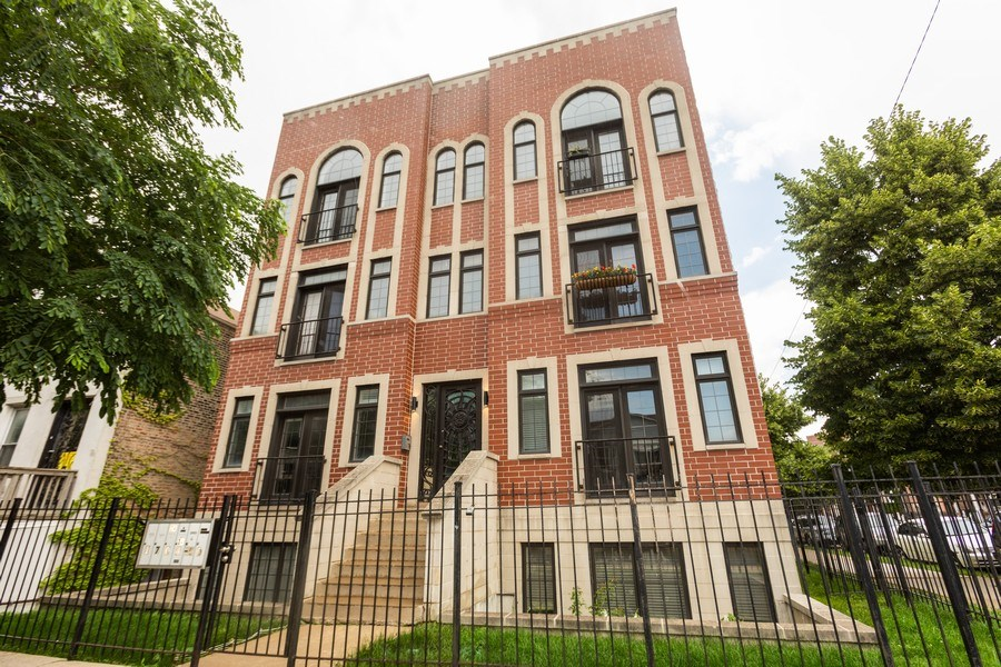 Real Estate Photography - 1704 S. Carpenter, 1B, Chicago, IL, 60608 - Front View