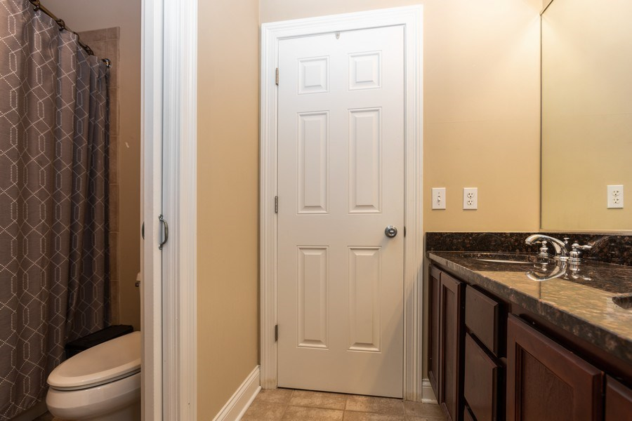 Real Estate Photography - 1704 S. Carpenter, 1B, Chicago, IL, 60608 - 2nd Bathroom
