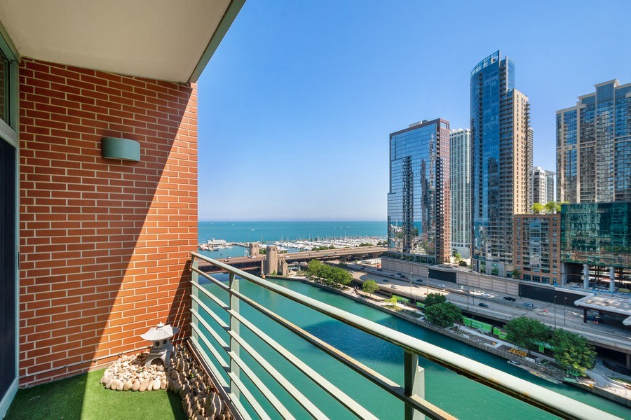Real Estate Photography - 415 E North Water St, Unit 1605, Chicago, IL, 60611 -