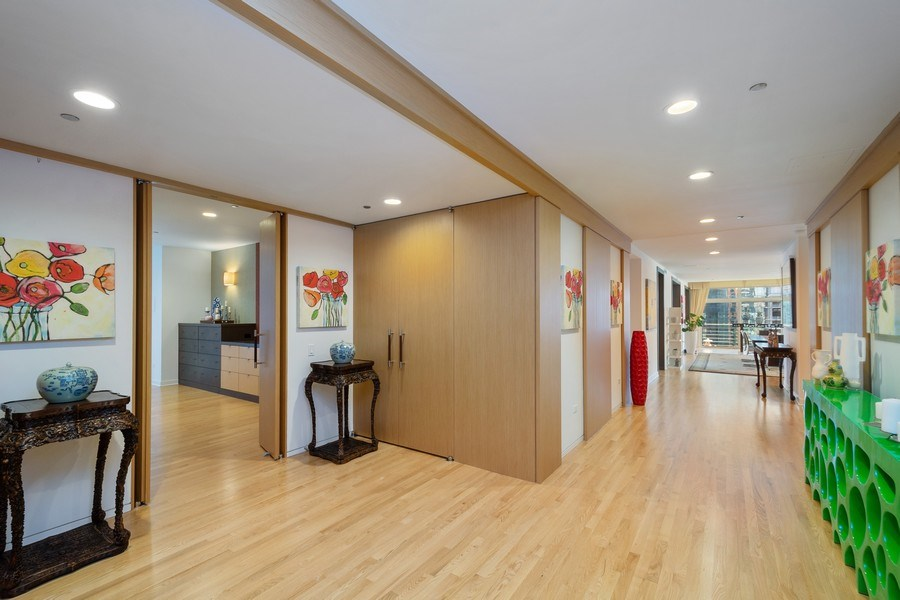 Real Estate Photography - 415 E North Water St, Unit 1605, Chicago, IL, 60611 - Foyer