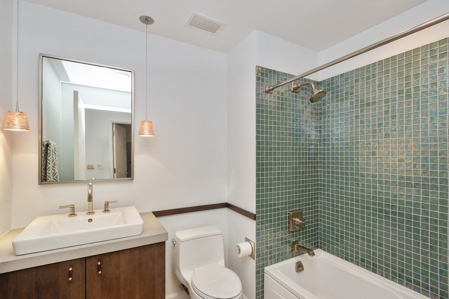 Real Estate Photography - 415 E North Water St, Unit 1605, Chicago, IL, 60611 - 3rd Full Bath