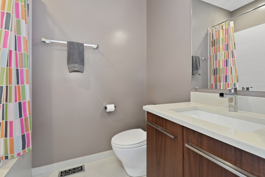 Real Estate Photography - 2144 W Rice St, #3W, Chicago, IL, 60622 - 3rd Bathroom