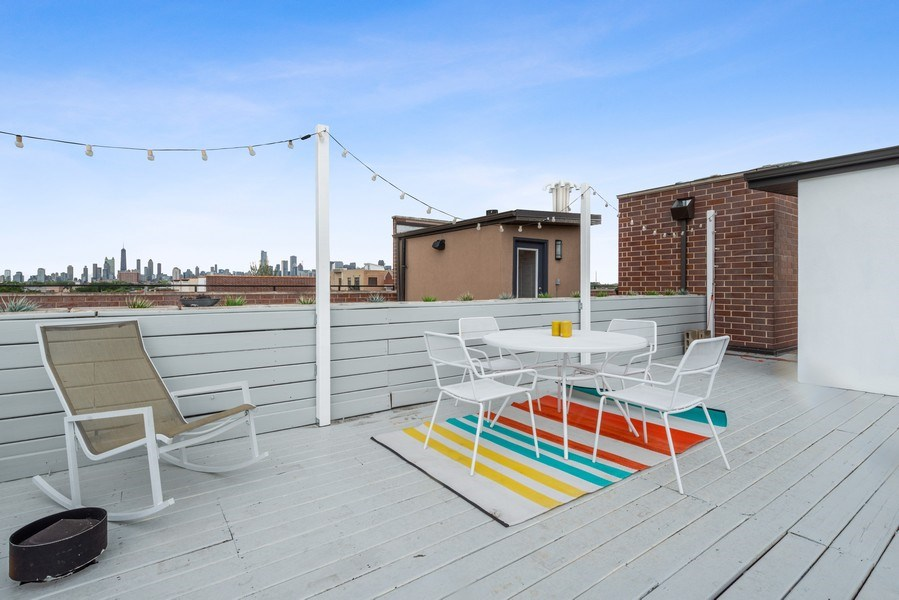 Real Estate Photography - 2144 W Rice St, #3W, Chicago, IL, 60622 -