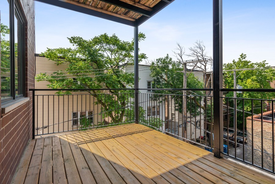 Real Estate Photography - 2144 W Rice St, #3W, Chicago, IL, 60622 - Deck