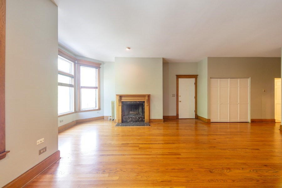 Real Estate Photography - 819 W Dickens #2, Chicago, IL, 60614 - Living Room