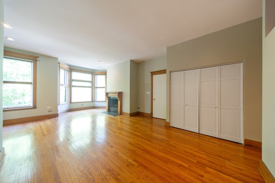 Real Estate Photography - 819 W Dickens #2, Chicago, IL, 60614 - Living Room / Dining Room