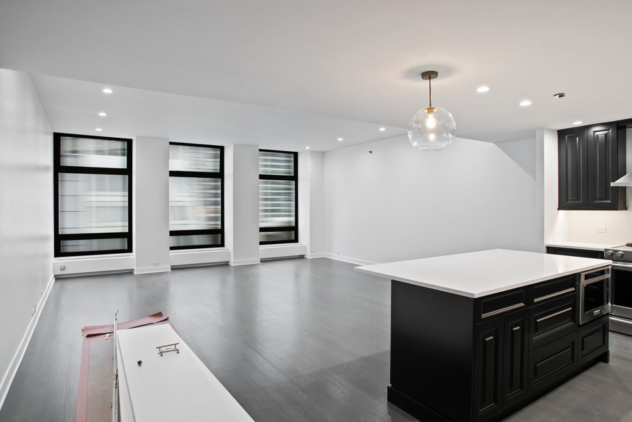 Real Estate Photography - 680 N. Lakeshore Drive #912, Chicago, IL, 60611 -