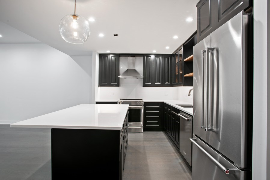 Real Estate Photography - 680 N. Lakeshore Drive #912, Chicago, IL, 60611 - Kitchen